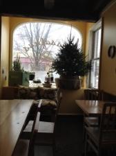 Sassafras Bakery...next to Worthington Inn...9 inch apple pie, award winning...$26.00 ?????